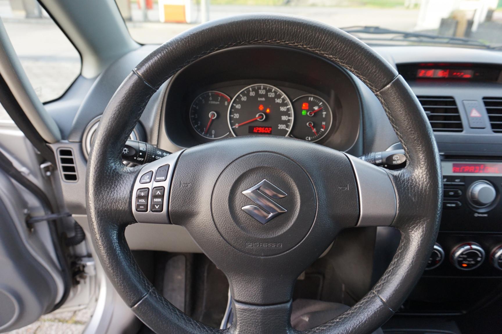 Suzuki-SX4-10