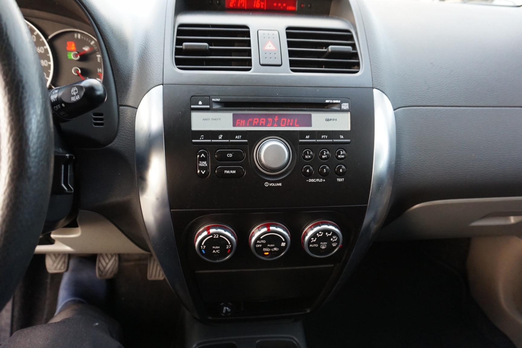 Suzuki-SX4-9